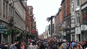 Very crowded pedestrian plaza in Dublin