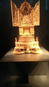 Micro-sculpture in the British Museum
