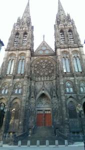 Notre Dame Clermpnt's main entrance